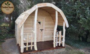 Märchenhafte Hobbithütte aus Holz gefertigt