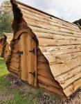 Das Märchenhaus Zelt ist ein Dachhaus aus Holz