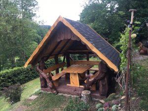 rustikaler Pavillon