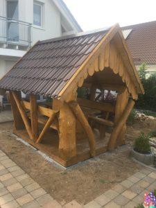 kleiner Pavillon zum Sitzen