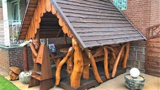 Gartenlaube aus Holz bauen